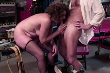 , Une grosse vieille se fait éclater, Sexe Friend